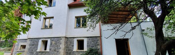 Úžasný RD v zeleni 300 m²  pozemek 2 381 m²   Všestary – Praha – východ