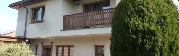 Kouzelný dům alá Provence -už. plocha 257m² , zahrada 462m², garáž, bazén ŘíčanyRezervováno